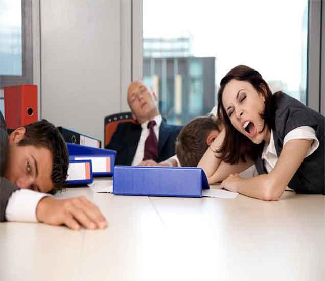 ऑफिस, कॉलेजमध्ये येतात डूलक्या, तर वाचा या खास टिप्स| - Divya Marathi