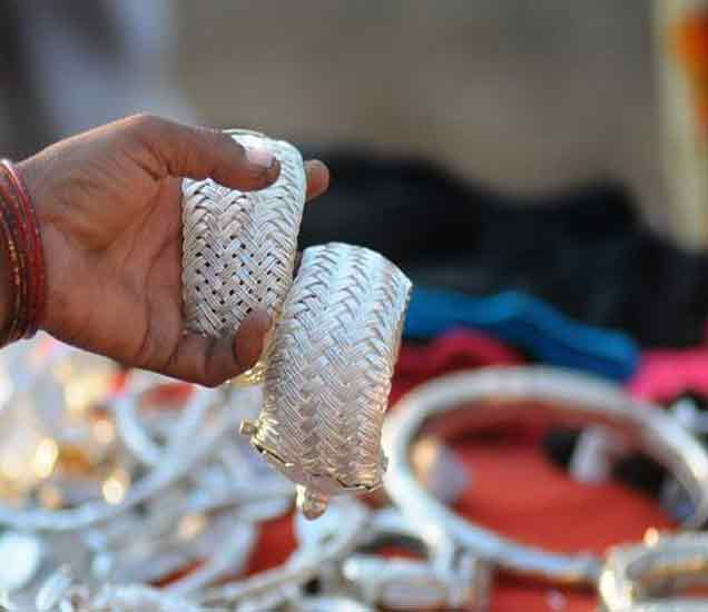 तीन महिन्यांत 7500 रुपयांनी स्वस्त झाली चांदी, 30 हजारांवर येईल दर बिझनेस,Business - Divya Marathi