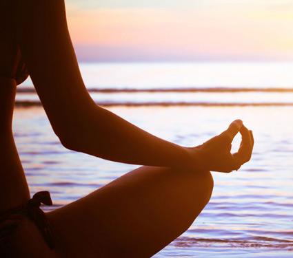 nude yoga information  निर्वस्त्र योगा केल्याने बदलू शकतो