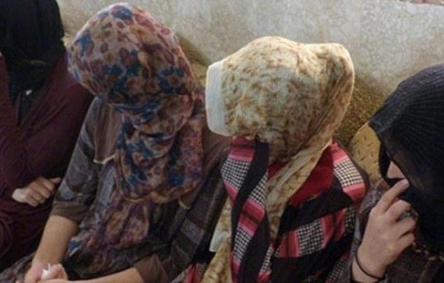 PHOTOS: सेक्सला नकार दिल्याने ISIS ने 19 महिलांची केली हत्या|विदेश,International - Divya Marathi