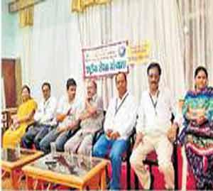 बालकांचे लैंगिक शोषण रोखण्यास युवकांनी पुढे यावे|अकोला,Akola - Divya Marathi