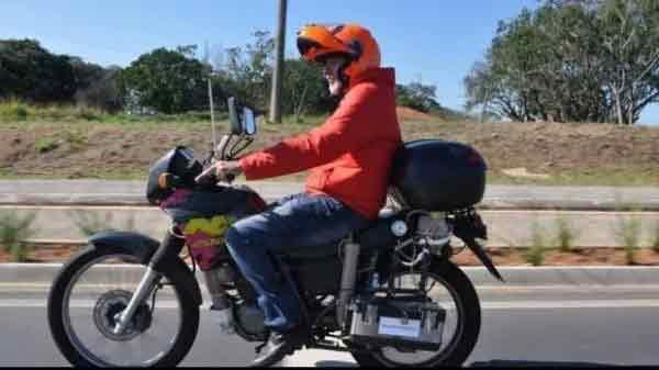 VIDEO: एक लिटर पाण्यावर \'T POWER H2O\' बाइक धावते 500 KM| - Divya Marathi