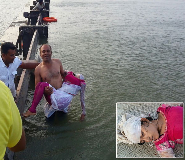 PHOTOS: प्रेमीयुगुलाने बाईकसह तलावात मारली उडी, तरुणी होती विवाहित|देश,National - Divya Marathi