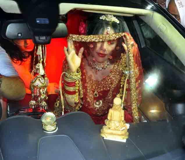 PHOTOS : मीडियाचे कॅमेरे पाहताच राधे मांने झाकला चेहरा; रडूही कोसळले औरंगाबाद,Aurangabad - Divya Marathi