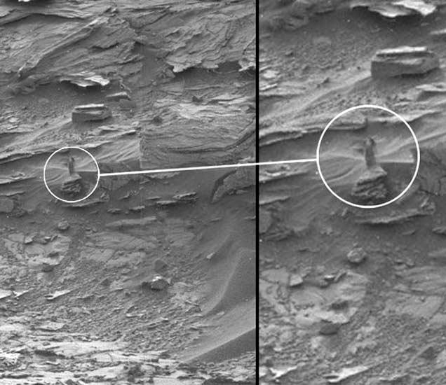 नासाने जारी केलेले मंगळाचे फोटो. वर्तुळात दाखवलेली आकृती महिलेची असल्याचा दावा केला आहे. - Divya Marathi