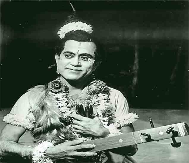 एक संगीत नाटकात भालचंद्र पेंढारकर - Divya Marathi