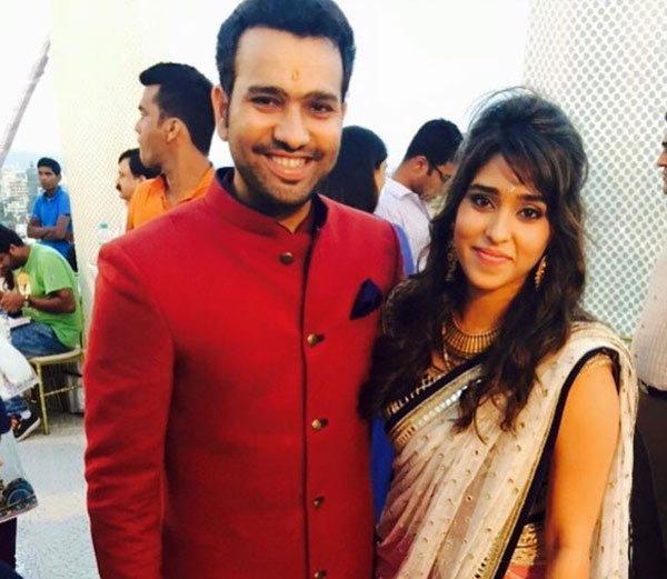 रोहित शर्माने विकत घेतला 30 कोटीचा फ्लॅट, रितीका सोबत करू शकतो गृहप्रवेश स्पोर्ट्स,Sports - Divya Marathi