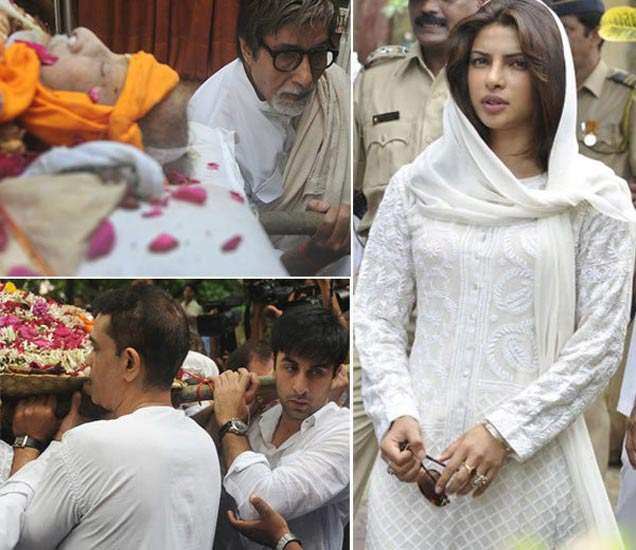 शम्मी कपूर यांच्या अंत्यसंस्कार पोहोचलेले बिग बी, रणबीर कपूर, प्रियांका चोप्रा - Divya Marathi
