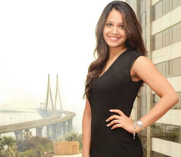 आधी अशी दिसायची दिनेशची दीपिका, हे आहेत तिचे 10 खास PHOTOS स्पोर्ट्स,Sports - Divya Marathi