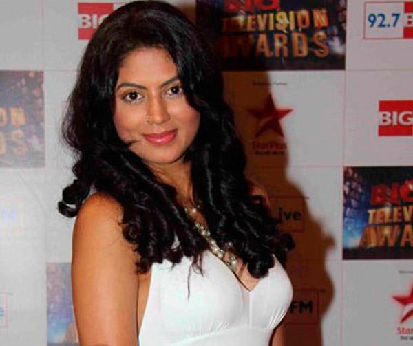 30+ असून या TV अभिनेत्री जगताय सिंगल लाइफ, जाणून घ्या कोण आहेत त्या? टीव्ही,TV - Divya Marathi