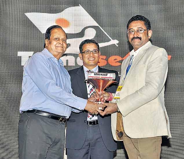 राज्यातील ५ वितरकांना भास्कर समूहातर्फे 'नॅशनल टीएए अवॉर्ड' औरंगाबाद,Aurangabad - Divya Marathi