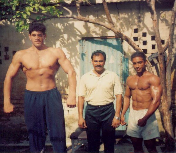 PHOTOS: जाणून घ्या गावचा दलीप राणा कसा झाला WWE चा स्टार \'द ग्रेट खली\' स्पोर्ट्स,Sports - Divya Marathi