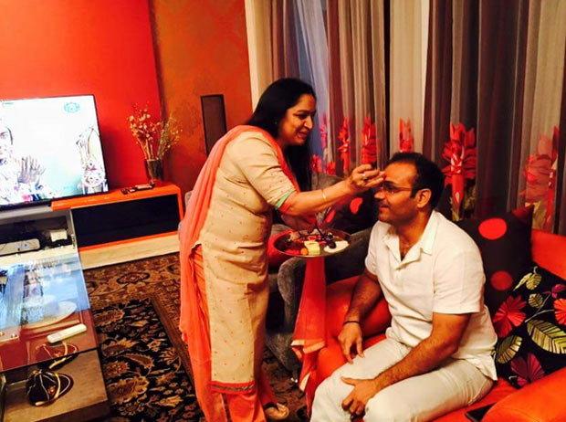 सचिन-सेहवागचे राखी सेलिब्रेशन, बहिणीसह शेअर केले PHOTO|स्पोर्ट्स,Sports - Divya Marathi