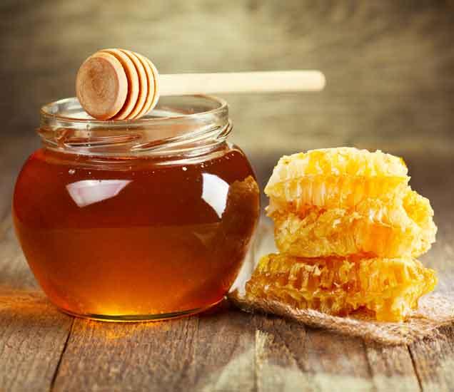 मधाचा या 7 प्रकारे वापर केल्यास होऊ शकतात दुष्परिणाम...| - Divya Marathi