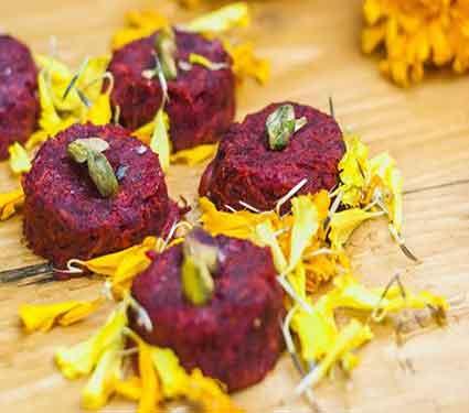 पौष्टीक बीटाची बर्फी तुम्हाला तयार करता येते का, वाचा रेसिपी...  - Divya Marathi