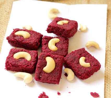 पौष्टीक बीटाची बर्फी तुम्हाला तयार करता येते का, वाचा रेसिपी...| - Divya Marathi