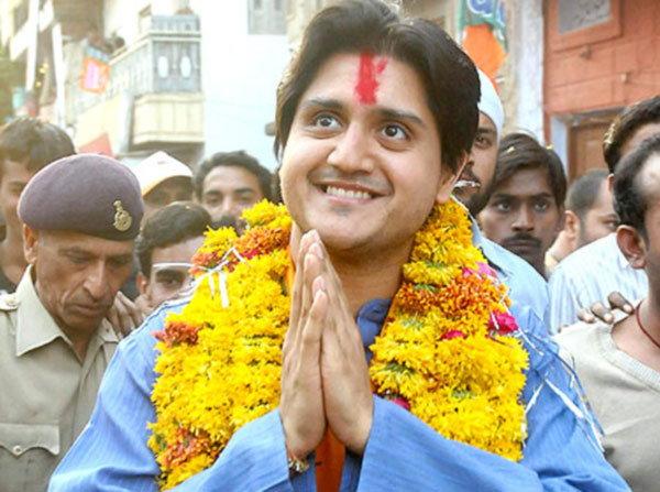 हे आहेत CM वसुंधरा राजेंचे चिरंजीव दुष्यंत, काँग्रेस नेते ज्योतिरादित्य यांचा घेतात सल्ला|देश,National - Divya Marathi