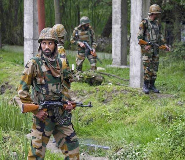 J&K: हंदवाड्यात दोन दहशतवाद्यांचा एन्काउंटर, बॉर्डरवर दिसला हाफिज सईद|देश,National - Divya Marathi