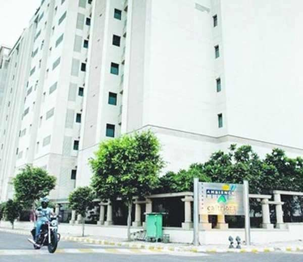 सौदी दुतावासातील अधिकारी पळाला, दोन नेपाळी महिलांवर बलात्काराचा आरोप देश,National - Divya Marathi