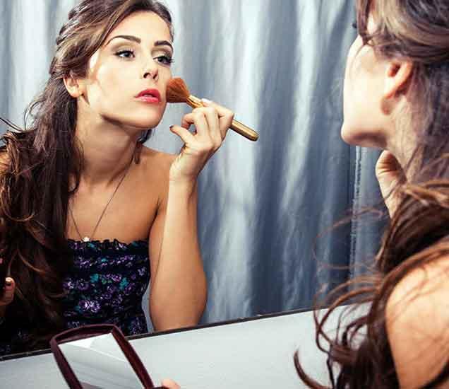 तरुणी बोलतात हे 8 खोटे, ज्यामुळे तरुण नेहमी असतात त्रस्त...| - Divya Marathi
