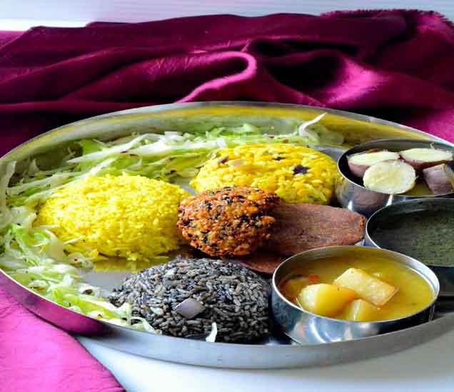 भारतातील 10 प्रसिध्द \'थाळ्या\', ज्या एकदा अवश्य टेस्ट कराव्यात...| - Divya Marathi