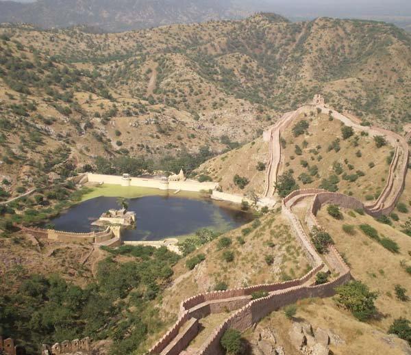 आशियातील सर्वांत मोठी तोफ; डागल्यामुळे तयार झाला तलाव, पाहा PHOTOS देश,National - Divya Marathi