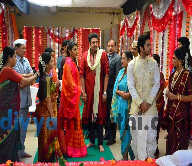 Engagement:स्वानंदी-नील आणि संपदा-महेशचा झाला साखरपुडा, ललिताची मात्र झाली फजिती मराठी सिनेकट्टा,Marathi Cinema - Divya Marathi