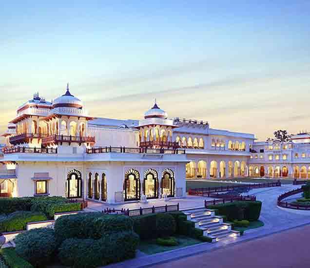 या रॉयल पॅलेसमध्ये नववधू बनून आली होती जगातील सर्वात सुंदर महाराणी|देश,National - Divya Marathi