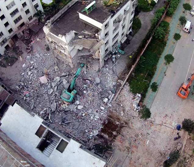 चीनमध्ये पुन्हा स्फोट, 6 मजली इमारत उध्वस्त, कालही झाले 15 Serial Blast|विदेश,International - Divya Marathi