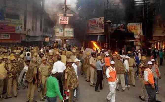 वाराणसी :  प्रतिकार मोर्चाला हिंसक वळण, कलम 144 लागू, शाळेला सुटी|देश,National - Divya Marathi