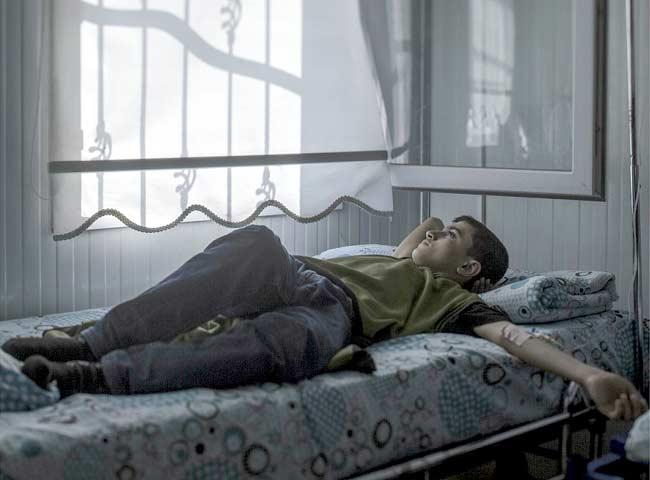 सिरिया : झोपलेल्या मुलांच्या डोळ्यातही दहशतीचे सावट, पाहा मन हेलावणारे PHOTOS|विदेश,International - Divya Marathi