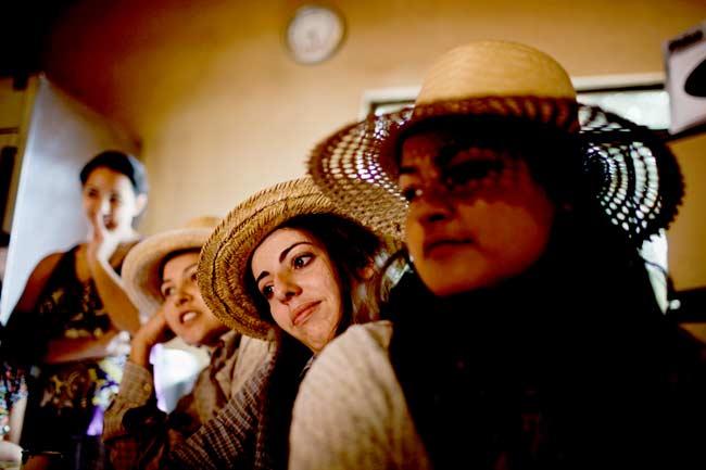 या गावात आहे पुरुषांची कमतरता; विवाह, प्रेमासाठी तरुणींची होते तगमग|विदेश,International - Divya Marathi