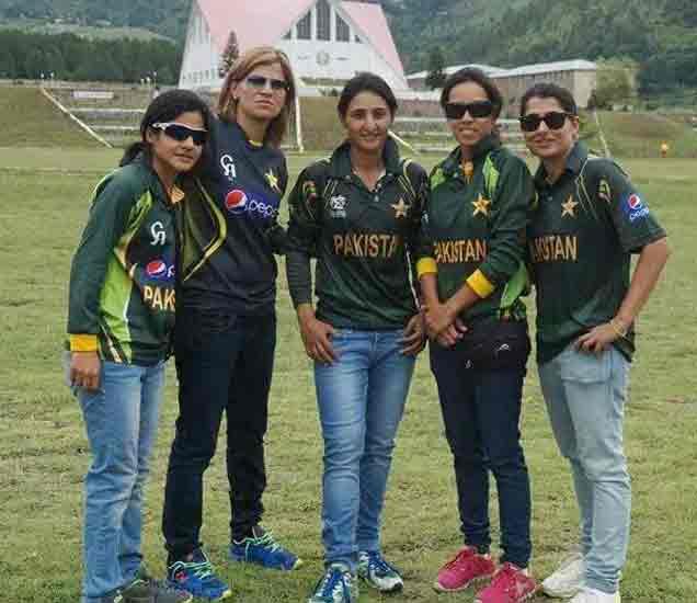 आफ्रिदीची नाही, तर विराटची फॅन आहे ही पाकिस्तानी खेळाडू, जाणून घ्या का ?|स्पोर्ट्स,Sports - Divya Marathi