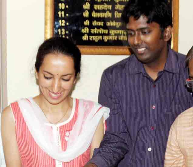 भारतीय नवरा, इराणी नवरी, वाचा Yahoo Messenger पासूनची लव्ह स्टोरी|देश,National - Divya Marathi