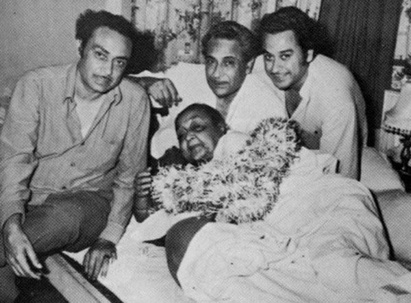 Death Anni: किशोर कुमार चार वेळा चढले होते बोहल्यावर, सिनेमांसाठी बदलले होते नाव  - Divya Marathi