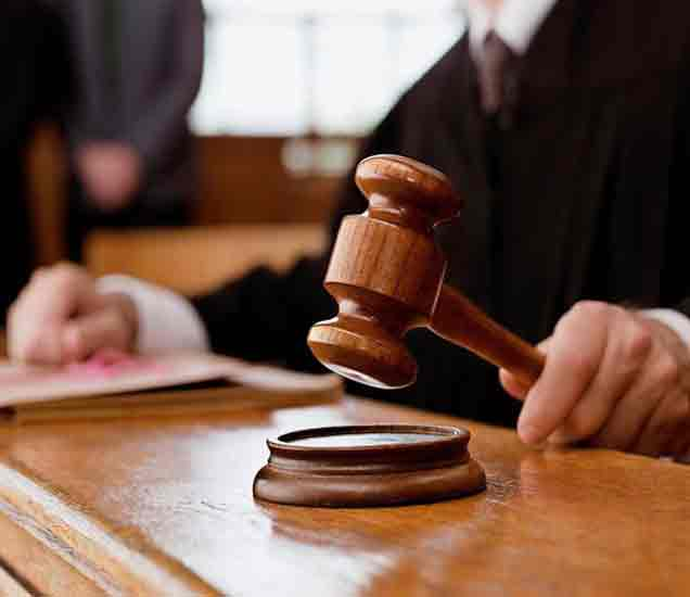 एका दिवसात 341 केसची सुनावनी,  महिला न्यायाधीश कोर्टातच बेशुद्ध|देश,National - Divya Marathi