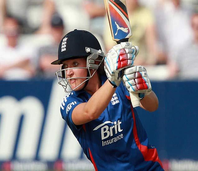 इंग्लंडची सारा रचणार इतिहास, ऑस्ट्रेलियामध्ये पुरुषांसमवेत खेळणार क्रिकेट स्पोर्ट्स,Sports - Divya Marathi