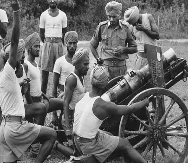 WAR 1962: तयारीनिशी युद्धात उतरला होता चीन, भारतीय सैन्याकडे उबदार कपडेही नव्हते विदेश,International - Divya Marathi
