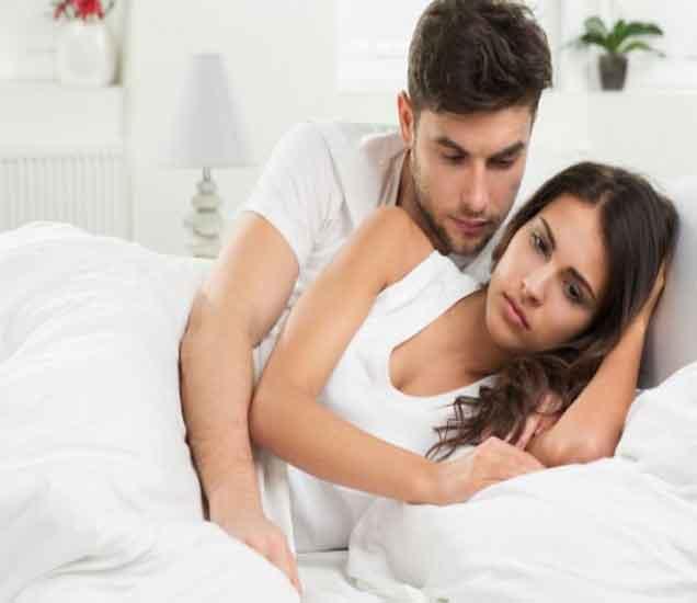 तरुणी पतीपासुन लपवतात हे रहस्य, तुम्हाला जाणुन घ्यायचेय का...  - Divya Marathi