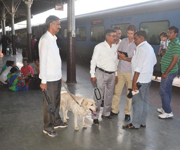 पुन्हा एका बॉम्बस्फोट घडवण्याची धमकी, निशाण्यावर अजमेर दर्गाह आणि रेल्वे स्टेशन|देश,National - Divya Marathi