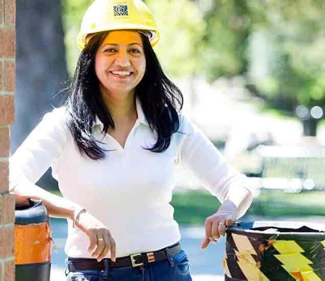 कॅनडाच्या निवडणुकीत विजयी झालेली भारतीय वंशाची सोनिया सिद्धू - Divya Marathi