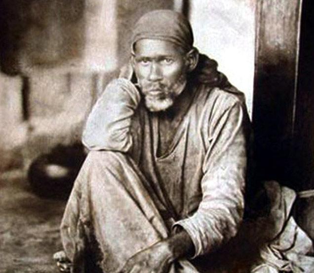 97 वर्षांपूर्वी असे दिसत होते शिर्डीचे साईबाबा, पाहा दुर्लभ PHOTOS धर्म,Dharm - Divya Marathi
