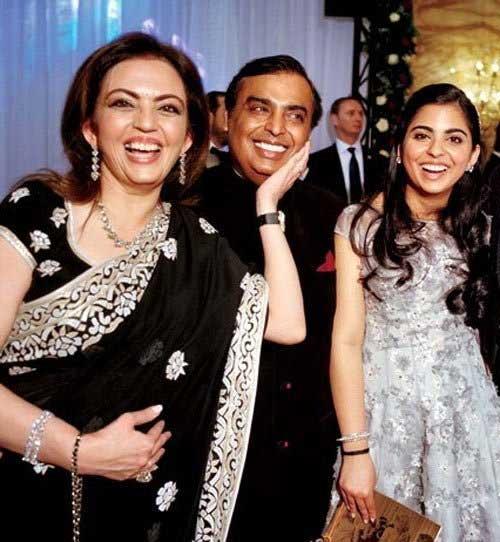 या कारणामुळेच नीता अंबानींनी बंद केला होता कन्या ईशाचा डान्स क्लास|बिझनेस,Business - Divya Marathi