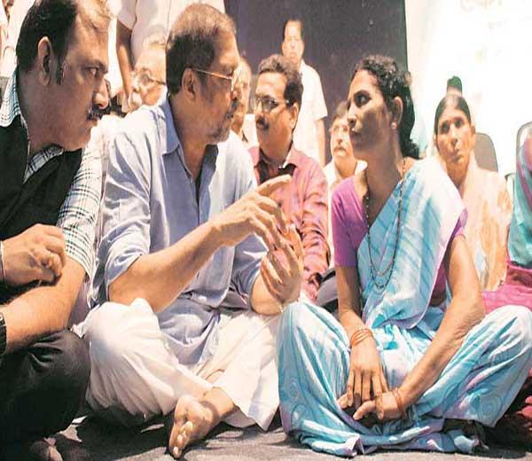 देवस्थानांचा पैसा अन् दुष्काळ; वाचा संवेदनशील नानाचा ब्लॉग...|मुंबई,Mumbai - Divya Marathi