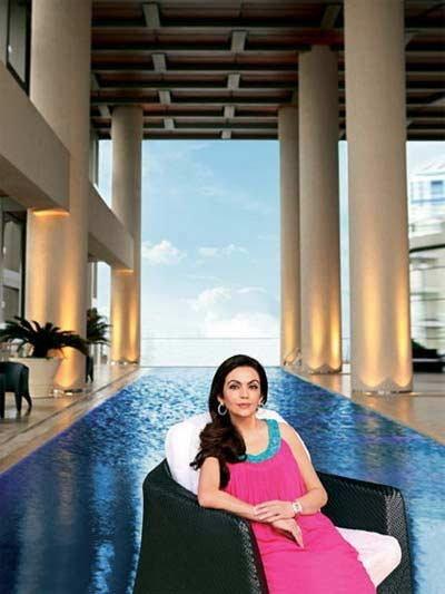 नीता अंबानींना व्हायचे होते शिक्षिका; पब्लिक ट्रान्सपोर्टने मुलांना पाठवायच्या शाळेत|बिझनेस,Business - Divya Marathi
