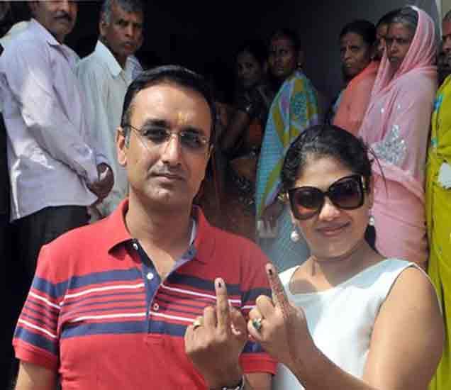 कल्याण-डोंबिवलीत सुमारे 48 टक्के, तर कोल्हापूरमध्ये 64 टक्के मतदान|कोल्हापूर,Kolhapur - Divya Marathi