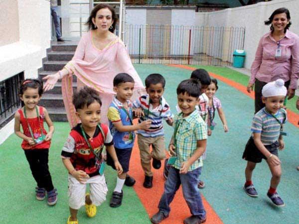 नीता अंबानी करत होत्या 800 रुपये पगाराची नोकरी, आज 13 शाळांच्या मालकीण|बिझनेस,Business - Divya Marathi