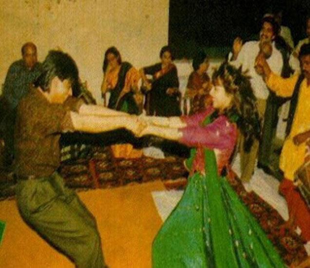 फिल्मी आहे शाहरुख-गौरीची लव्ह स्टोरी, दोनदा अडकले लग्नगाठीत, पाहा Wedding Album|देश,National - Divya Marathi