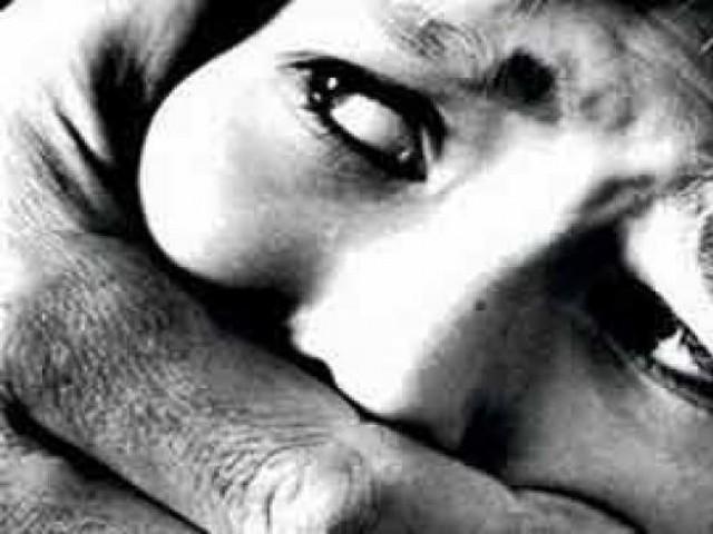 दुकानमालकाचा युवतीवर वारंवार बलात्कार, दम देऊन घडवला गर्भपात|पुणे,Pune - Divya Marathi