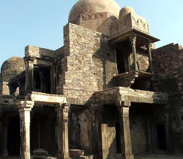 MP अजब है : या किल्ल्यात आहे परिस, जिन करतात त्याचे संरक्षण|देश,National - Divya Marathi